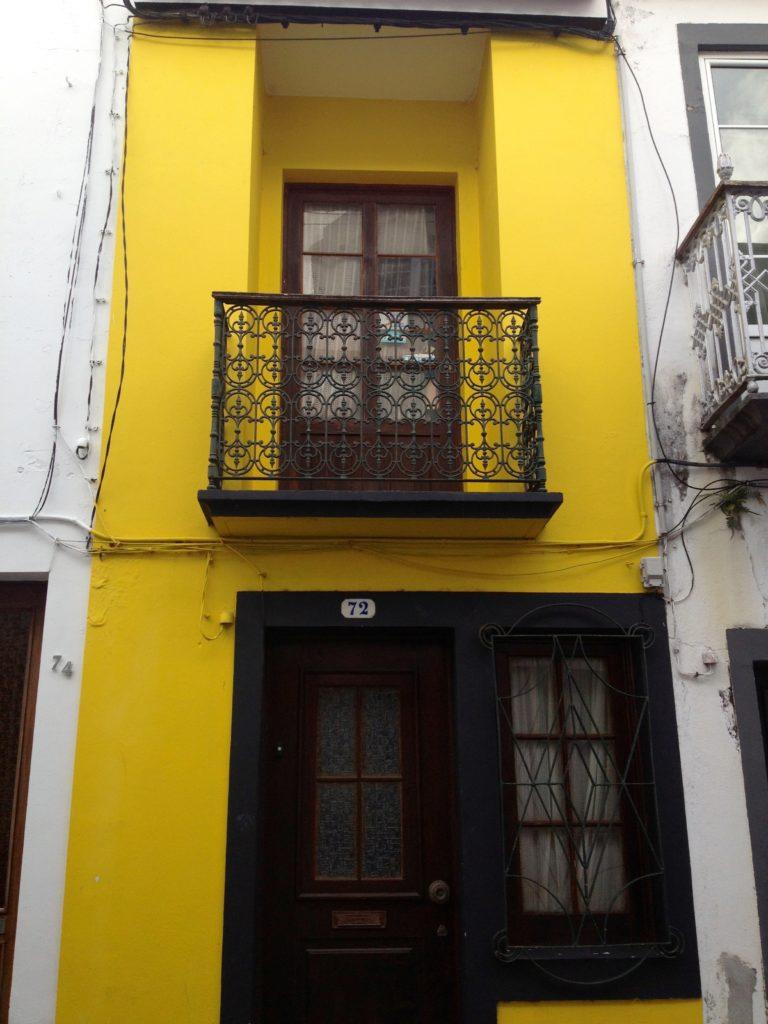 Balkon i Ponta Delgada, Sao Miguel, Azorerne, Portugal.