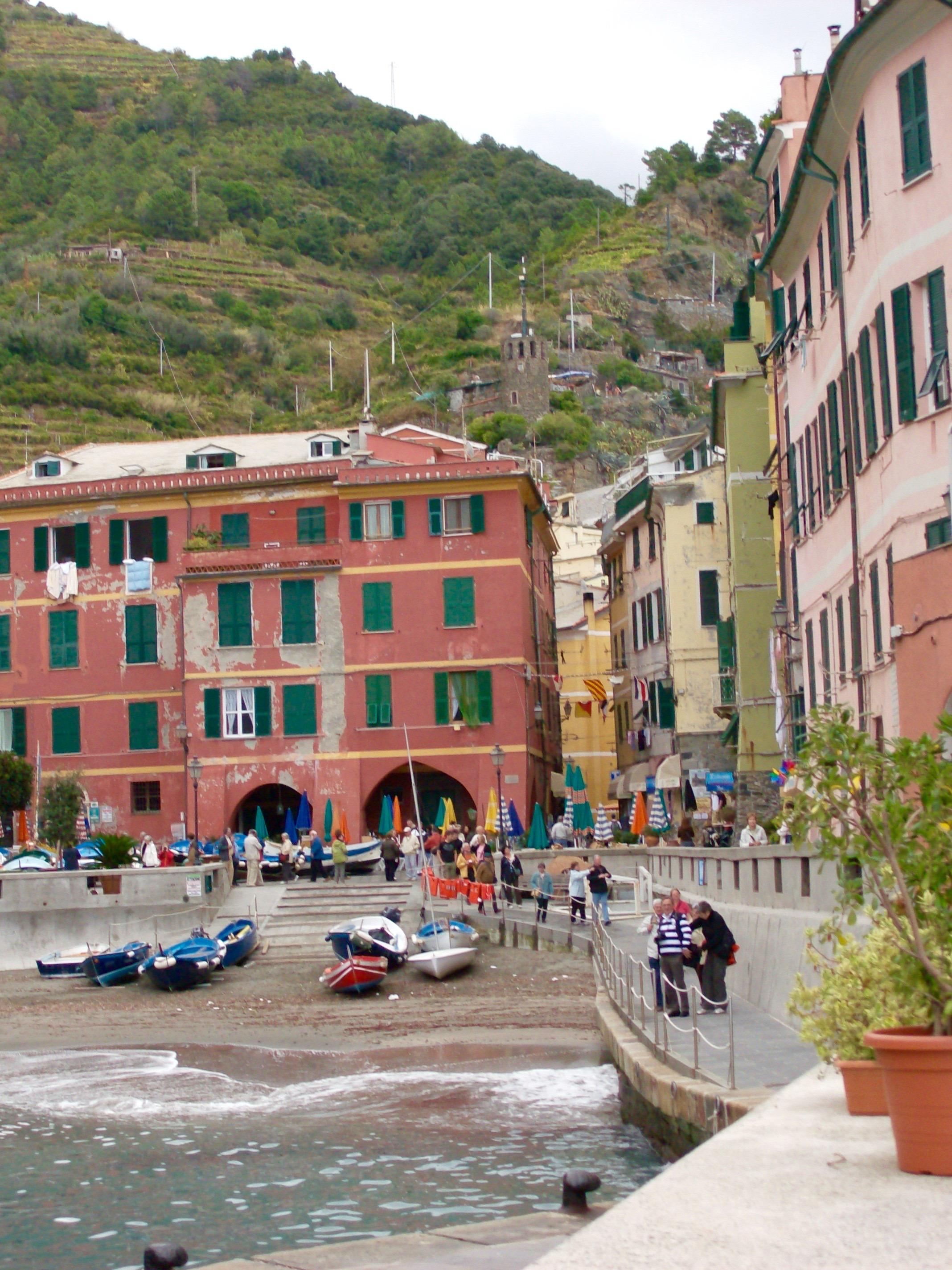 Del af Piazza Marconi i Vernazza, Cinque Terre, Italien.