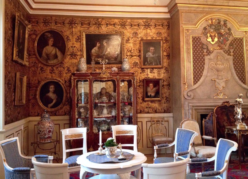 Udsnit af guldsalen, Voergaard Slot, Vendsyssel, Danmark.